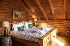 master bedroom kaisers cabin log house holidays cotswolds
