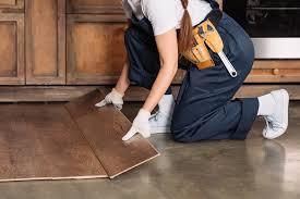 Parkett küche schützen dachrinne erneuern kosten damit müssen sie rechnen. Laminat Verlegen Ohne Die Kuche Abzubauen So Geht S