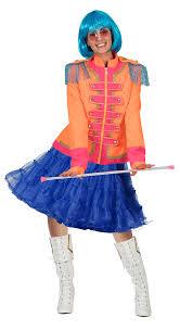 kostüm mit petticoat