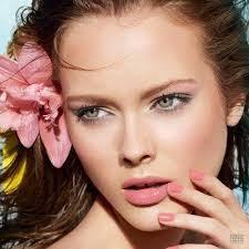 images 45 1 bright summer makeup ideas