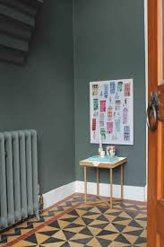 rhallthethingsco putting up s u wall ings rhyoucom putting how to hang photo frames without nails
