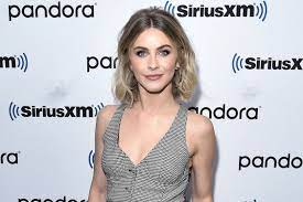 Julianne Hough Just Dyed Her Own Hair ...