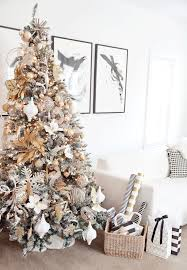 boxwood clippings | gold and white christmas tree