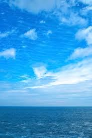 夏空と小波立つ海の写真素材を無料ダウンロード Beiz Images