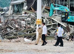 Hier haben wir einige spektakuläre fakten rund um erdbeben welches das absolut stärkste (also energiereichste) erdbeben in historischen zeiten ist, lässt sich. Bereits 91 Tote Nach Erdbeben Auf Sulawesi Indonesien Derstandard De International