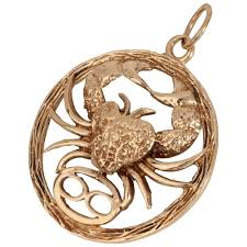 pre owned 9ct yellow gold crab pendant jewellery from william may jewellers uk