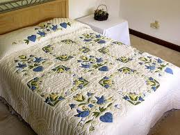 blue & yellow Amish love dove quilt | Amazing Amish | Pinterest & blue & yellow Amish love dove quilt Adamdwight.com