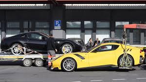 Zabavené úlovky - Lamborghini Veneno, Porsche 918 Spyder, Maserati MC112, Ferrari Enzo, Koenigsegg One:1 alebo Rolls-Royce, Aston Martin, Bugatti!