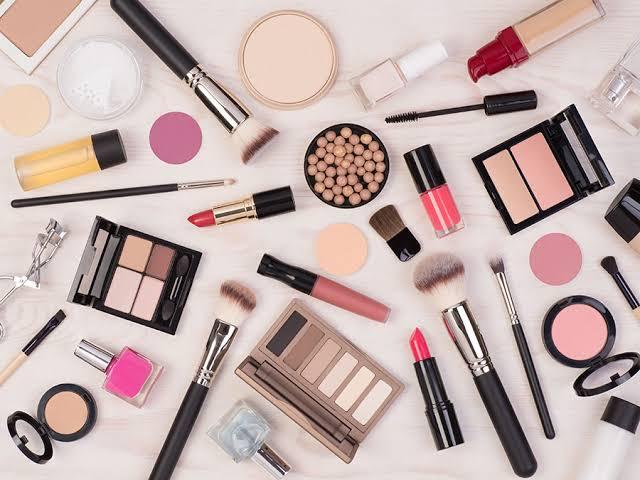 Use light makeup