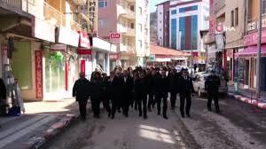 Özel Harekat eski Başkanı Behçet Oktay mezarı başında anıldı - Dailymotion  Video
