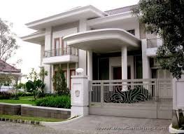 white painted concrete wall with moulding for top edge home