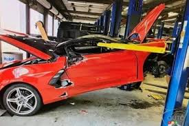 Insuring a car like a corvette is a big responsibility and you need to make sure you're 100% covered in the event of a loss. New Chevrolet Corvette C8 Falls Off Lift At Dealer Car News Auto123