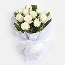 elegant 10 white roses bunch