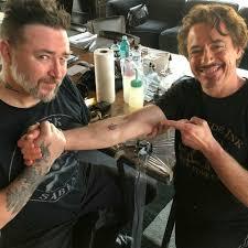пять актеров из мстителей сделали себе одинаковые татуировки в