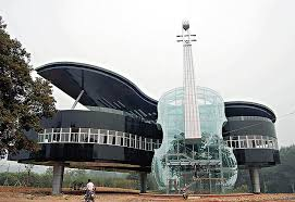 House was built in the shape of a grand piano.