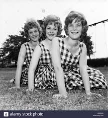 England Sisters: The Sisters from left: Hazel, 18, Julie, 19, Betty Stock  Photo - Alamy
