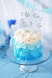 easy diy frozen party cake frozen party frozen party decorations by rachael burgess