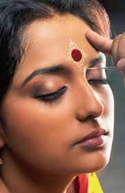 bengali bridal makeup for forehead
