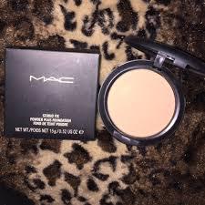 mac cosmetics makeup studio fix powder plus foundation nc40