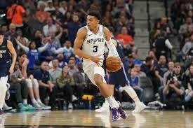 Video: Spurs' Keldon Johnson put the ...