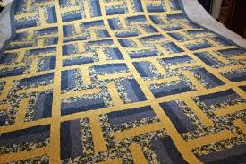 Sarah Lynn's Quilting: Customer's Blue and Yellow Quilt & ... customer's three quilts tonight. I used a pantograph called 'Meandering  Dove', with 40 wt. King Tut variegated thread in the color 'Sheaves' on  top, ... Adamdwight.com