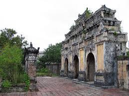 imperial tomb of duc duc hue  vietnam