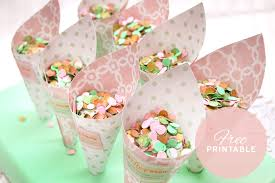 paper cones wedding. check out these free printable cones made for biodegradable confetti. paper wedding v