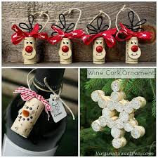 I browsed Pinterest and Etsy today to find the best wine cork crafts for  Christmas to