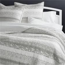 Quilted Bedspreads   Crate and Barrel & Oleana Full/Queen Quilt Adamdwight.com