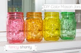 DIY Color Mason Jars! Do I really need to say anything more? Seriously,