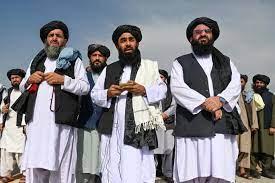 """طالبان"""" من مدرج مطار كابول: """"هذا درس للغزاة"""""""