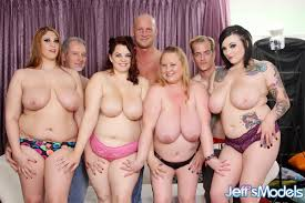 Fat women in group action from Alan