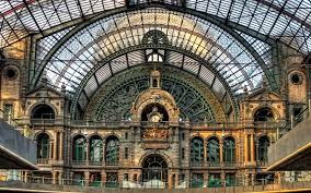 10 of the most beautiful train stations