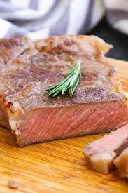 The high heat will brown the steak quickly, and once you see a deeply brown, crispy texture on the outside of the steak, flip it. New York Strip Steak Pan Seared To Perfection Tipbuzz