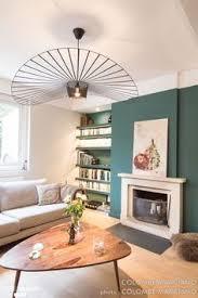 c est un magnifique intérieur lumineux frais et tendance qui a pris place dans cette ravissante maison au coeur de bron une vert petillant et sobre à la