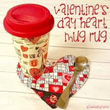 i recently stumbled upon ella and nesta s little room s folding envelope heart mug rug tutorial and i loved it i love that it s a heart shaped mug rug