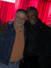 """Greg Weisman on Twitter: """"Few things better than hearing @ImKeithDavid sing  #haveyourselfamerrylittlechristmas and #thewayyoulooktonight! Great evening  of music! And, oh yeah: #KeepBingingGargoyles!! Keith agrees!…  https://t.co/QZKLsxRe7k"""""""