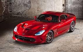 2012 New York Auto Show: 2013 SRT Viper Officially Slithers On Stage