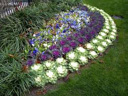 Small Picture The 68 best images about Small Flower Beds on Pinterest