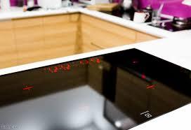Review] Trên tay bếp từ âm Electrolux EHD8740FOK: Đèn nền hiển thị, liên  kết vùng nấu