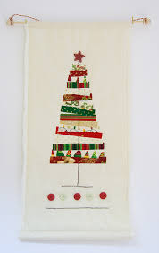 Raggedy Christmas Tree Quilted Wall Hanging | Hulu yarn and fabric ... & Raggedy Christmas Tree Wall Hanging Adamdwight.com