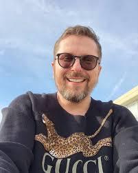 Join facebook to connect with анатолий шарий and others you may know. Poroshenko Poprosil Zelenskogo Ne Zadavat Vopros Pro Shariya Sharij Net