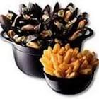 bobby flay s moules frites  mussels and fries  from throwdown