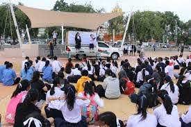 นร.ขอนแก่นชุมนุมติดโบว์ขาว จี้ให้เสรีภาพนักเรียนแสดงออกโดยไม่มีการคุกคาม -  โพสต์ทูเดย์ สังคมทั่วไป