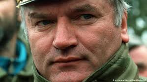 Former Bosnian Serb general Ratko Mladic appeals genocide conviction | News  | DW | 25.08.2020
