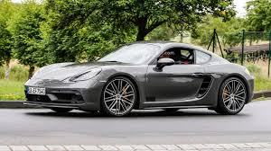 2018 porsche 718 spyder. perfect porsche 2018 porsche cayman gts spied virtually undisguised in porsche 718 spyder