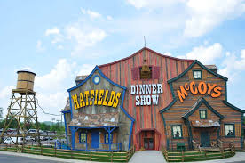 3 dinner shows in pigeon forge you need