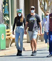 Aaron Rodgers and Shailene Woodley Cute ...