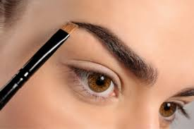 Everything You Need to Know About Getting the Perfect Eyebrows | ewmoda