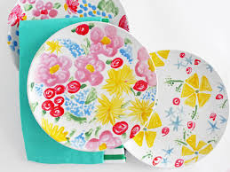 Easy Floral Designs To Paint How To Paint On Plates Hgtv